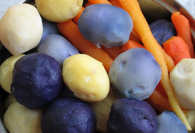 картофель синий фото